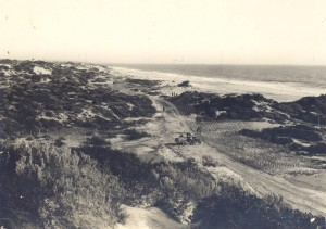 1920s_1Ph0109-02 Construction of Ocean Beach Drive, City Beach, 192