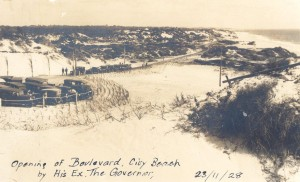 1920s_2Ph0116-01 Opening of The Boulevard, City Beach, by the Gover